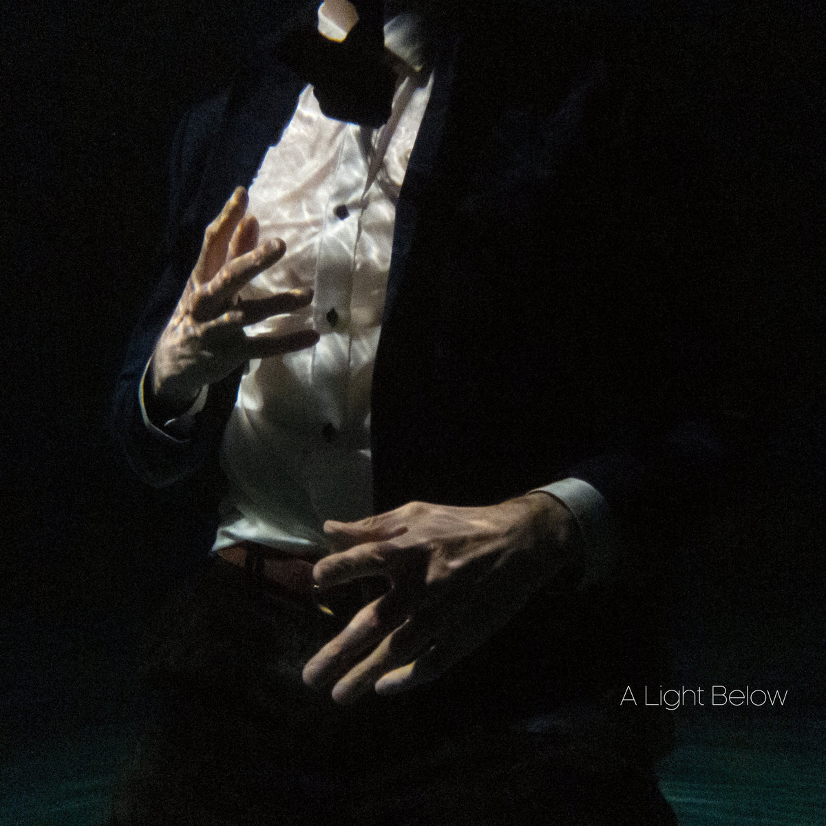 Christopher Tignor – A Light Below (2019) [FLAC]